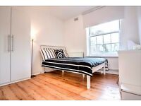 Newly refurbished 4 bed flat, minutes from Clapham North tube station!