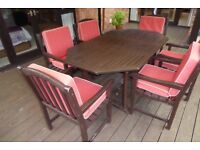 6 SEATER TEAK GARDEN TABLE & CHAIRS WITH CUSHION COVERS