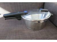 Fissler Vitaquick pressure cooker 3.5 Litre (never used)