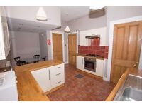Student Flat: 5 Bed HMO, Lounge, Dining Kitchen, 2 full bath, Double Upper - New Refurb