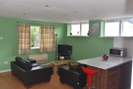 Five Bedroom Property Available in CEFN-COED CRESCENT **BILLS INCLUDED**