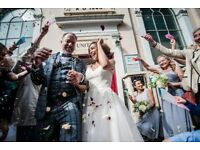 PROFESSIONAL AND RELAXED WEDDING PHOTOGRAPHY