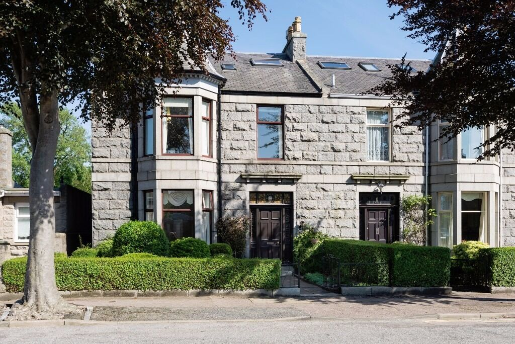 AM PM ARE PLEASED TO OFFER FOR LEASE THIS LUXURY 5 BED PROPERTY- ABERDEEN-ANGUS FIELD-P5321