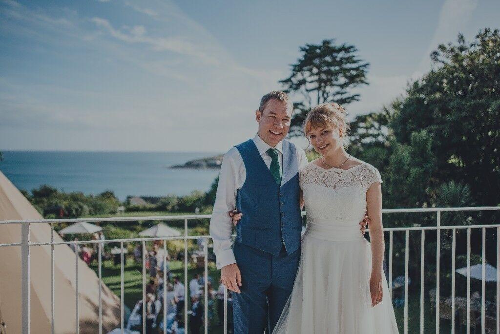 Beautiful White Rose Wedding Dress Size 12-14 RRP c.£1,000 | in ...