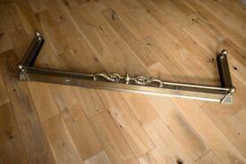Fire-fence (extendable, brass)