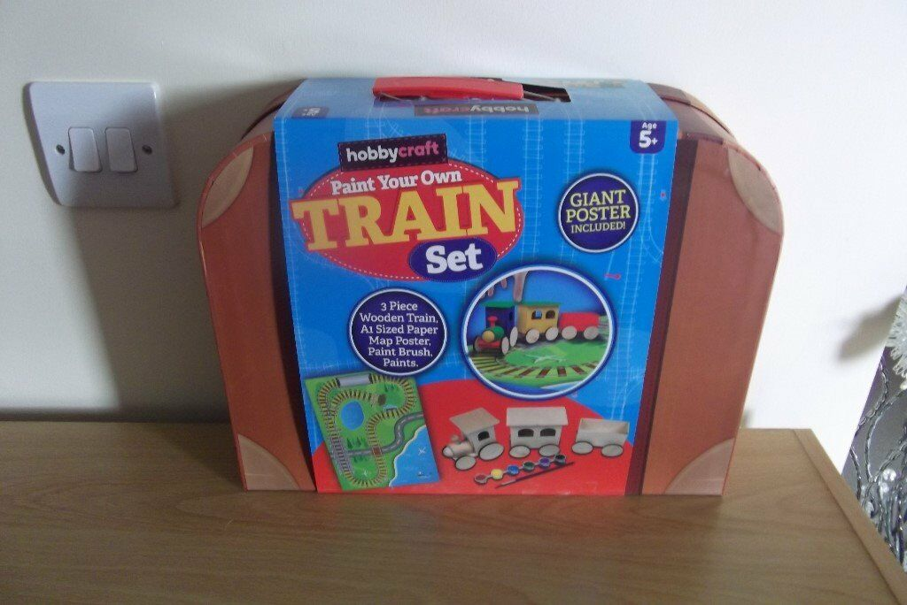 HOBBYCRAFT PAINT YOUR OWN TRAIN SET