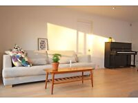 MINIMALIST DESIGNER SOFA IN GREAT CONDITION - 3/4 seater sofa