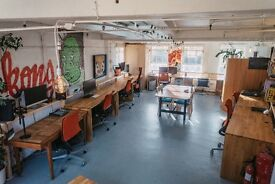 Desk space available in creative studio near Tower Bridge