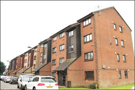 2 Bedroom Flat Located in Perivale. The property is presented in Good Condition