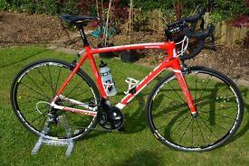 Lapierre Sensium 100 Road Bike Full Carbon Frame. Shimano Ultegra/Mavic Ksyrium Wheels