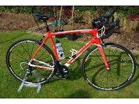 Lapierre Sensium 100 Road Bike Carbon Frame/Forks. Shimano Ultegra & excellent Mavic Ksyrium Wheels