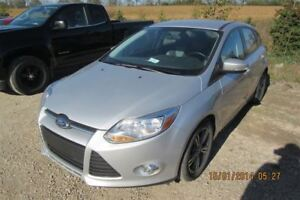 2014 Ford Focus SE HATCHBACK! HEATED SEATS! BLUETOOTH! ONE OWNER