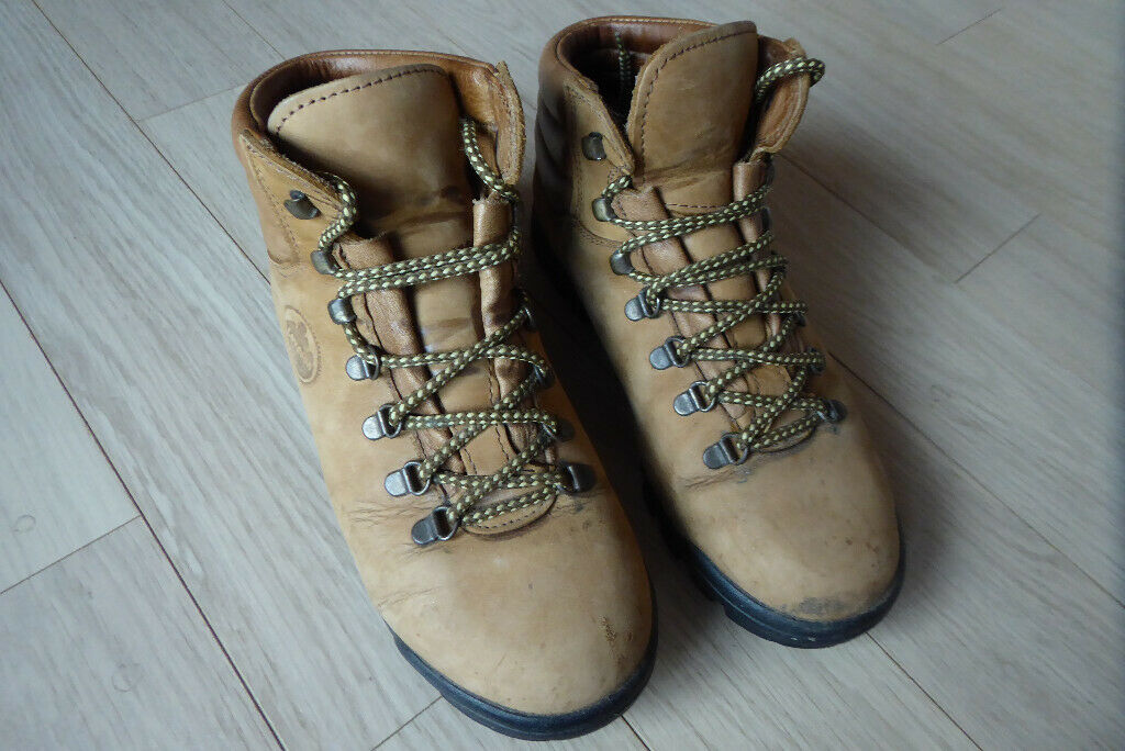 fd5327de4fe Woman's high quality WALKING BOOTS by Loveson size 41 - hardly used! | in  Gloucester, Gloucestershire | Gumtree