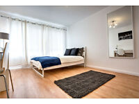 Fully refurbished bedroom in a 2 bed flat just minutes from Lambeth North!