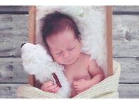 Female Photographer : Newborn & Family Photoshoots