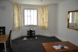 2 bedroom flat in Parklands Court Great West Road , TW5 9AU