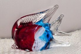 Red, White, Blue and Clear Glass Angel Fish Ornament / Glass Animal, 3.5 inches high, Histon