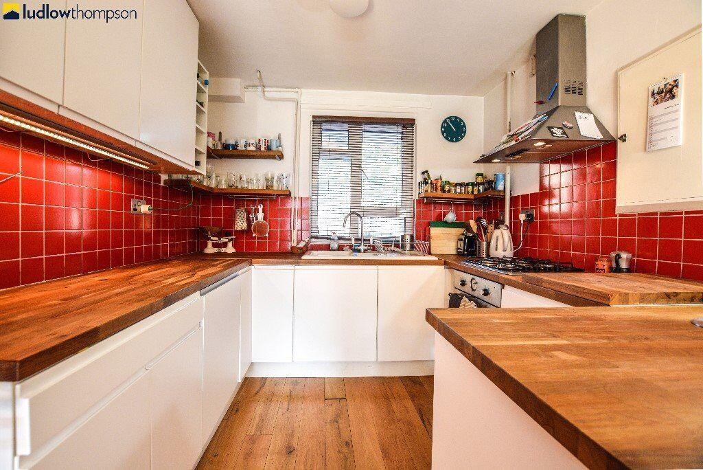 3 Bedroom Split-level Flat On Monsell Road - Available 03/10/16 - Finsbury Park N4