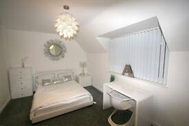 Ensuite DESIGNER Room. PREMIUM location. 5* HOME