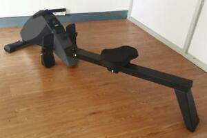 Online SALE - R400i Silent Rowing Machine with 10 levels of resistance and a complete computer