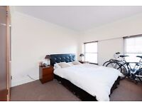 Lovely 1 double bedroom apartment in the sought after Coachman's Terrace building on Clapham Road