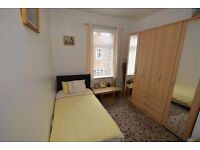 1 STOP from KINGS CROSS ** Lovely Flatmates and Nice Atmosphere ** Elegant Flat