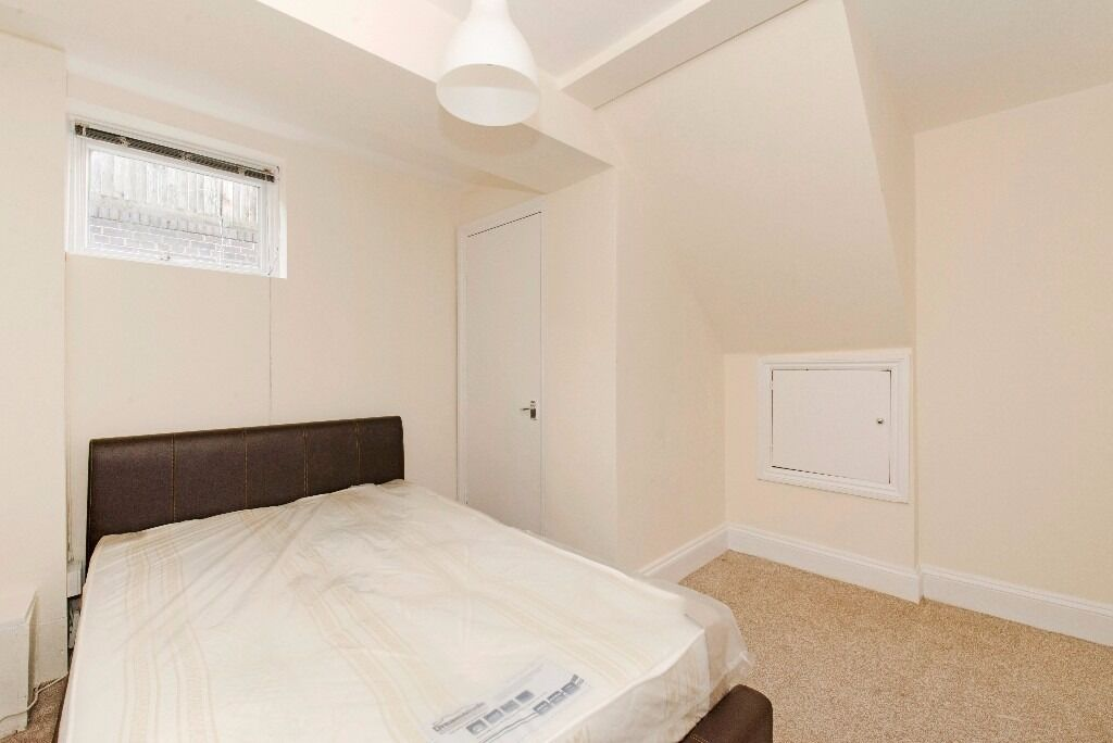 Two Double Bedroom Garden Flat by Finsbury Park
