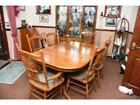 Extending Dining table with 4 chairs + 2 Carvers