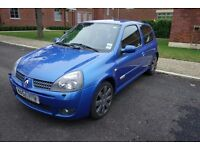 Renault Clio 182 full fat cup packs hot hatch
