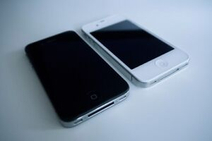 2 Mint Condition iPhone 4s - White/Black - Unlocked