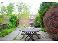 NEWLY REFURBISHED, SPLIT LEVEL 3 DOUBLE BED, HOUSE with GARDEN KITCHEN DINER, SEPARATE RECEPTION