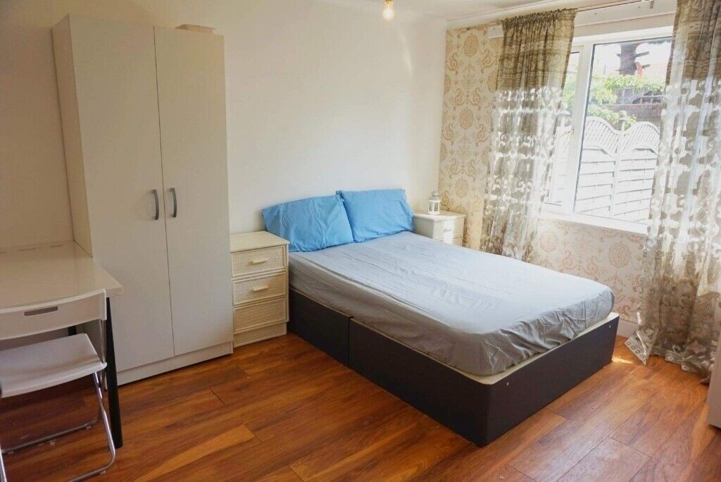 Double room to rent for single use  2 weeks deposit  No extra charge  Hurry  up! | in London | Gumtree
