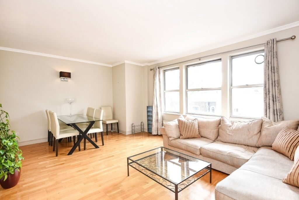 Set within a secure block, this modern two bedroom apartment is located on Dawes Road SW6