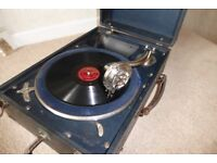 Vintage wind-up Gramophone and 50 x 78rpm records