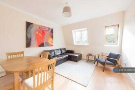 2 bedroom flat in Langthorne Lodge, London, SW2 (2 bed) (#1098973)