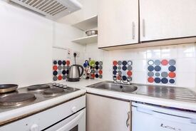 Excellent self-contained studio in close proximity to local amenities and East Finchley