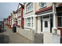 5 Bedroom 3 Bathroom House in Tooting Broadway-High Standard-Recently refurbished-Close to tube