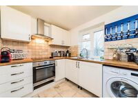 **AMAZING 3 BEDROOM HOUSE**BROMLEY**DO NOT MISS**