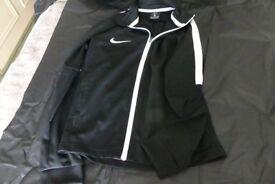 Nike Black Zipped Casual/Training Jacket, Size S (Fit age 7/8/9)