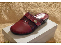 For Sale...A Pair of new Size 8 Fly-Flot Brown Leather Sandals