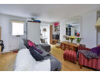 CLOUDESLEY SQ N1: ONE BED, ANGEL IS FIVE MINUTES AWAY, ONE BED FLAT ON BEAUTIFUL SQUARE IN ISLINGTON
