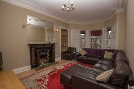 Student Flat/Edinburgh Festival:Central 5 Bed Double Upper: 2 Bath, Lounge, Full Dining Kitchen, HMO