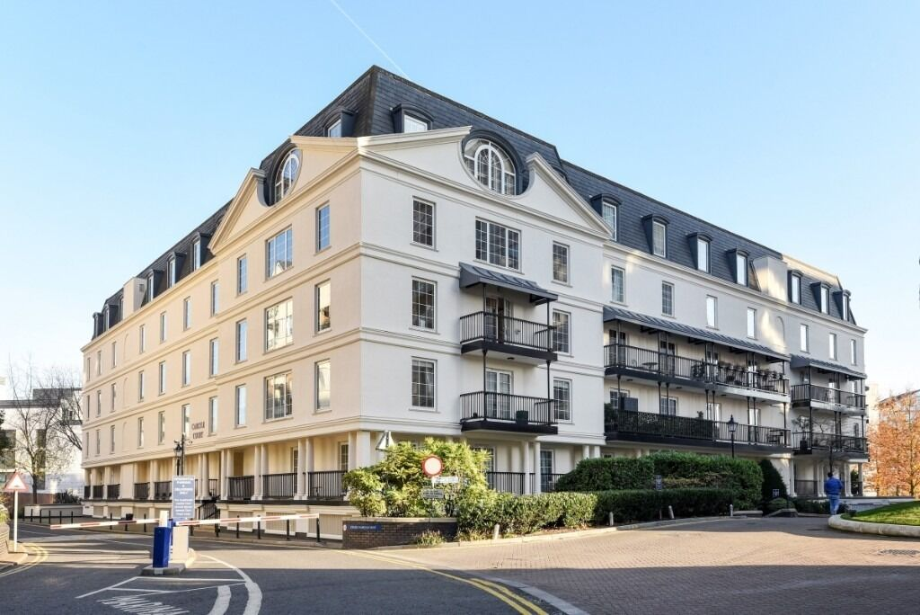 An exceptional four bedroom, three bathroom penthouse apartment, Chelsea Harbor, SW10