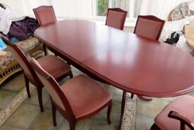 Mahogany table and 6 chairs (extending)