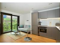Studio flat in Roman House, Wood Street, St Pauls EC2Y