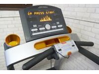 LIFE FITNESS T5.5 TREADMILL FREE DELIVERY. MINT CONDITION RUNNING MACHINE GYM FITNESS EQUIPMENT