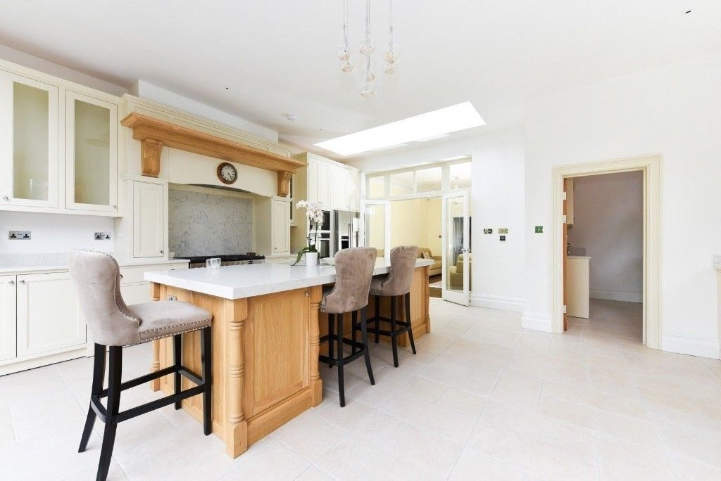 Bespoke Solid Wood Kitchen Cabinets