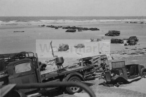 Abandoned English equipment on Dunkirk beach WW2 photo 4x6 #1