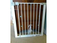 Safety 1st baby gate / stair gate