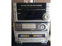 Aiwa hi fi system with 2 speakers